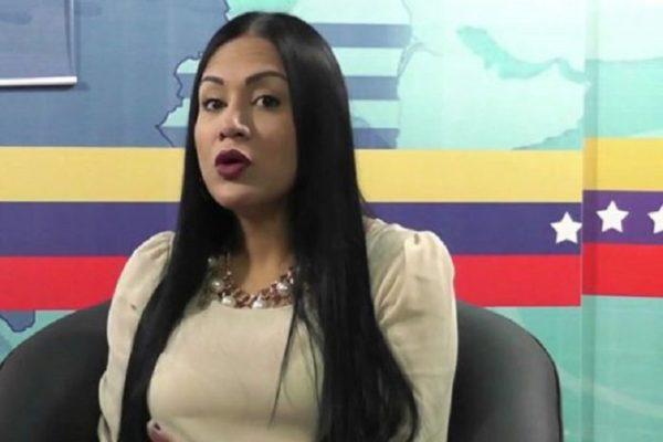 Gobernadora de Táchira quiebra línea abstencionista y queda otra vez