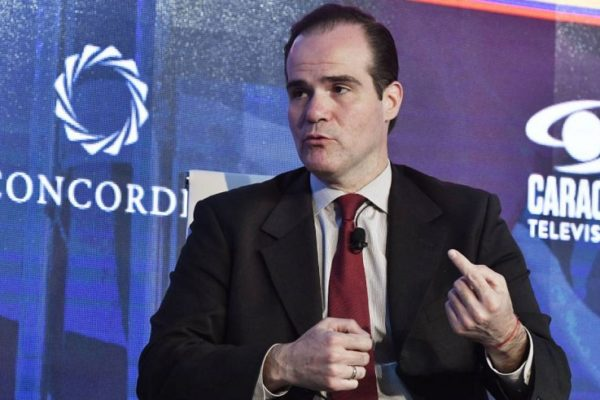 El nuevo presidente del BID se reúne con BM y FMI para hablar de la pandemia