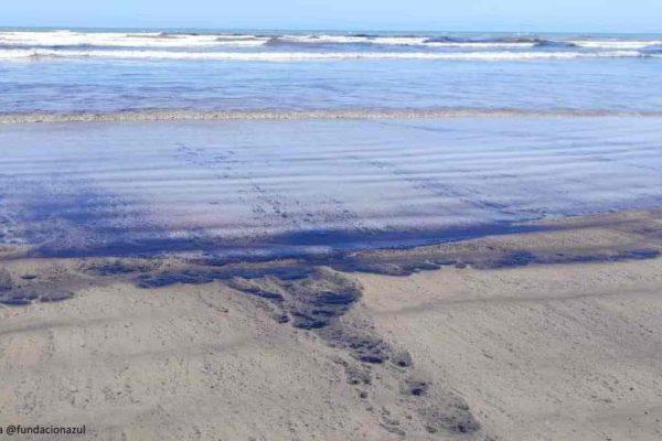 Diputada Maria Hernández denuncia nuevo derrame petrolero en Golfo Triste