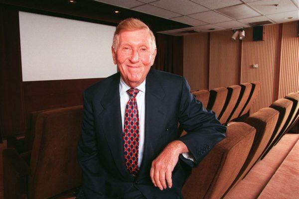 Murió magnate estadounidense de los medios Sumner Redstone a los 97 años