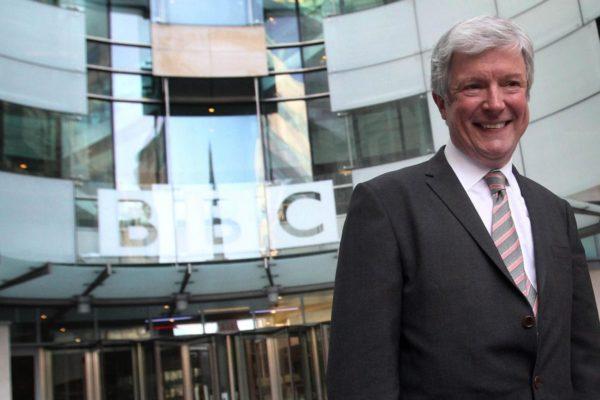 Tony Hall: La BBC debe hacer más para favorecer la diversidad
