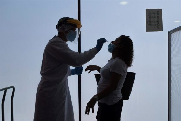 Van 154.165 casos | Venezuela añade 850 nuevos contagios y once muertes por COVID-19