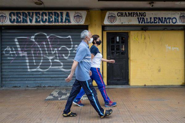 Venezuela «se pone en riesgo» tras relajar el confinamiento por Covid-19