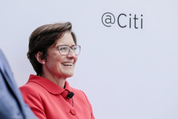 Jane Fraser es nombrada CEO de Citigroup, el primer gran banco de EEUU dirigido por una mujer