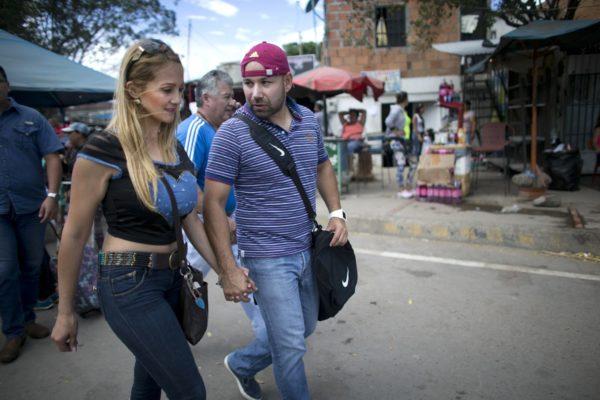 O ricos o pobres: Estudio revela que se extingue la clase media en Venezuela
