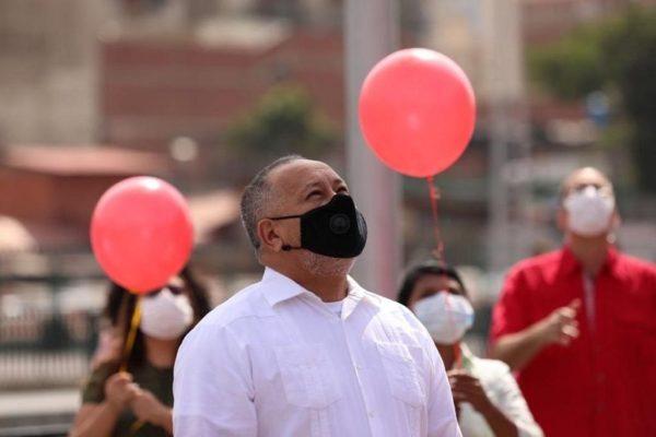 Cabello dice que comprará vacunas antiCOVID con indemnización impuesta a El Nacional