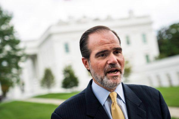 Estadounidense Mauricio Claver-Carone es elegido como el nuevo presidente del BID