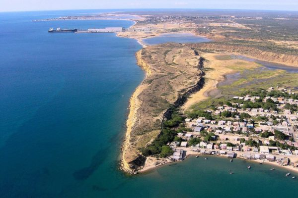 #Falcón: denuncian derrame de petróleo desde tubería marítima en Río Seco