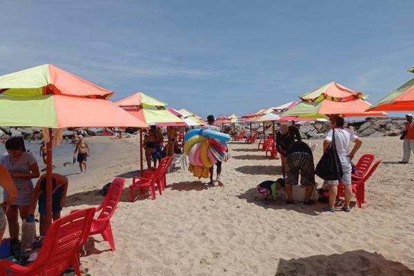 Conozca los precios acordados de toldos y estacionamientos en las playas de La Guaira