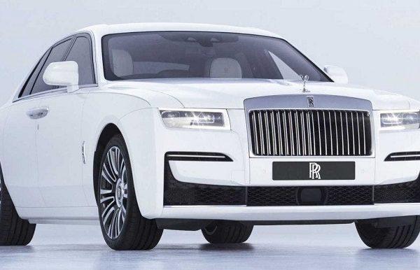 Rolls-Royce lanza nuevo modelo «Ghost» para enfrentar la crisis