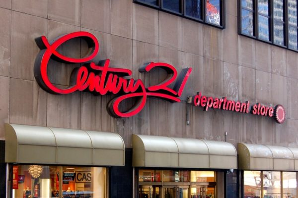 Century 21 se declara en quiebra y cerrará todas sus tiendas en EEUU