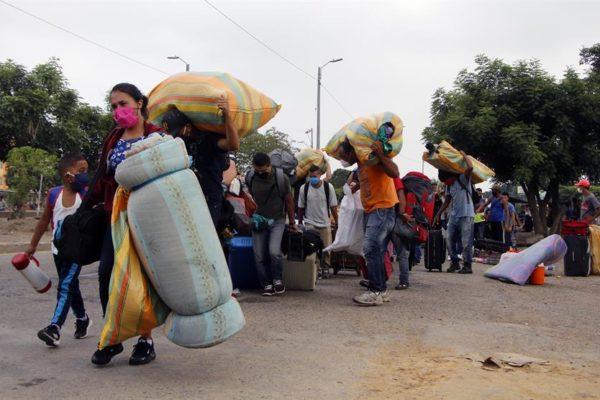 OEA: unos 111.000 venezolanos han retornado a su país desde Colombia y Brasil