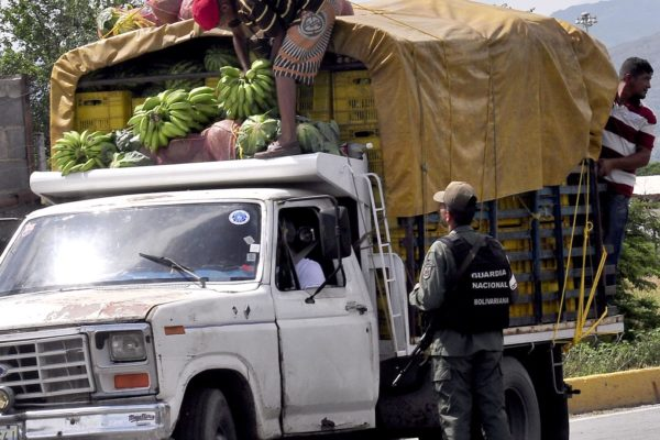 83% del transporte logístico y de carga del país está paralizado por falta de gasoil