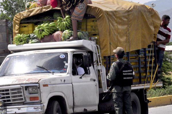Crisis alimentaria: 80% del transporte de carga en región central paralizado por falta de gasolina
