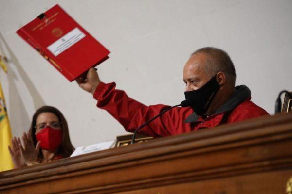 ANC se va tras anular al Parlamento opositor pero sin Constitución