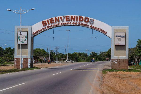 Ministerio de Ecosocialismo inspecciona derrame de crudo en Anzoátegui