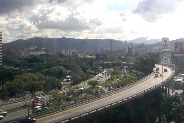 Maduro cambia nombre de autopista Francisco Fajardo a Gran Cacique Guaicaipuro