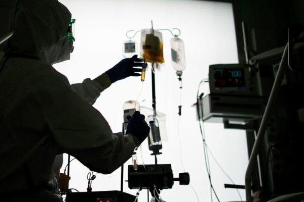 Red asistencial de Mérida recibe analizador de plasma para diagnóstico de #Covid19