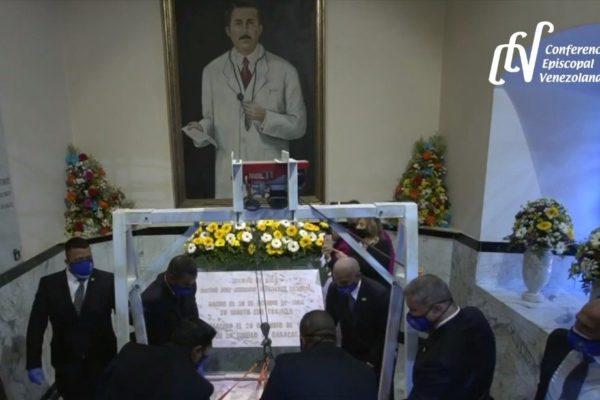 Camino a la santidad: Exhuman restos del Dr. José Gregorio Hernández