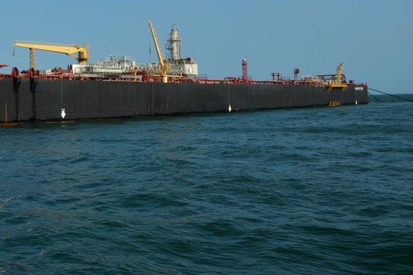Pdvsa inicia transferencia de crudo almacenado en tanquero Nabarima