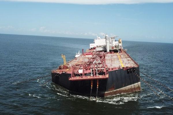 Asamblea Nacional exhorta a la petrolera ENI trasegar la carga del Nabarima