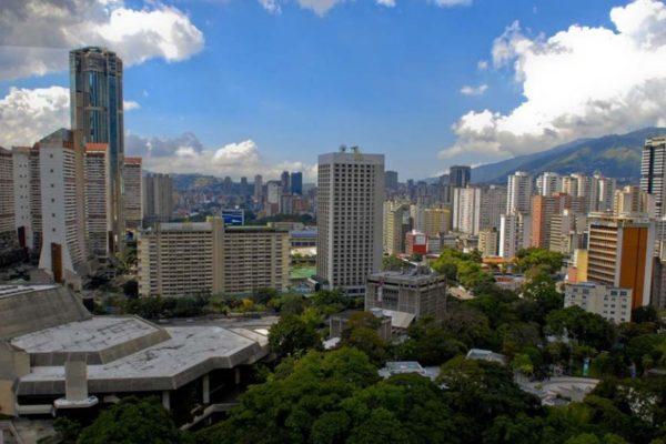 Pago de alquileres, caída de precios y el Petro: ¿cómo está el sector inmobiliario venezolano?