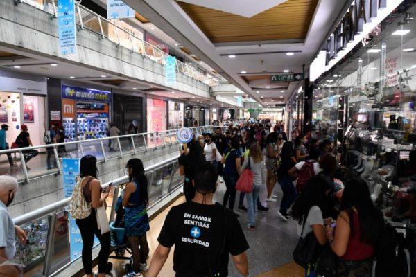 «Black Friday» permitió masiva liquidación de inventarios acumulados con descuentos de más de 70%