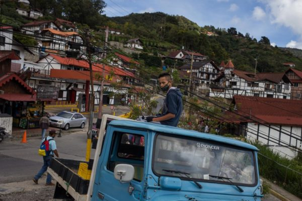 La Colonia Tovar despierta de la pesadilla del confinamiento y la falta de gasolina