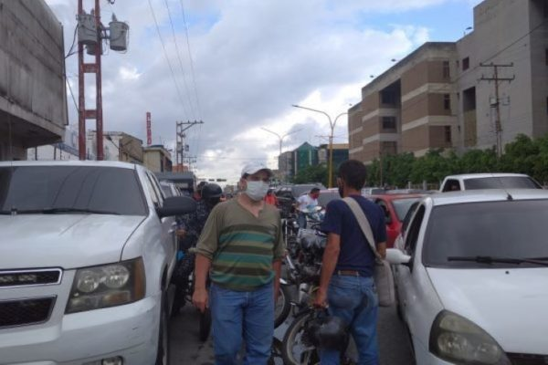 Luis Oliveros: Hay menos gasolina porque las refinerías están sacando más diésel