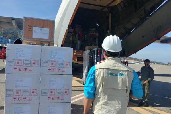 Más de 30 toneladas de insumos médicos arribaron al país para combatir #COVID19