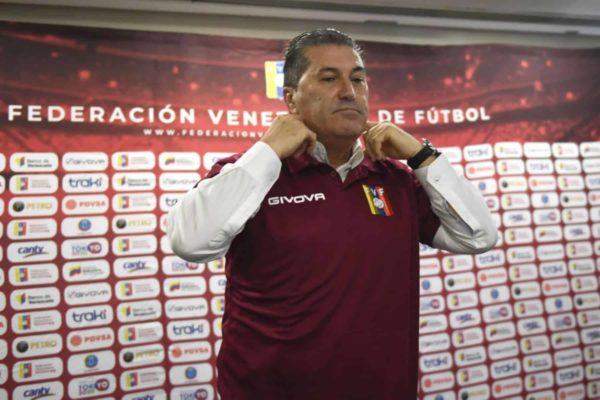 Venezuela saldrá a jugar sin 'excusas' ante una 'fuerte' Colombia, dice Peseiro