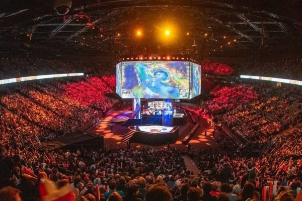 Pareja surcoreana gana Mundial del 'League of Legends' ante una audiencia millonaria