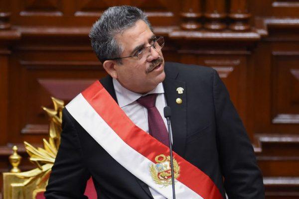 Manuel Merino renuncia a la presidencia de Perú tras cinco días de protestas