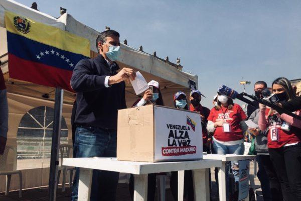 Leopoldo López lidera en Colombia Consulta Popular contra Maduro