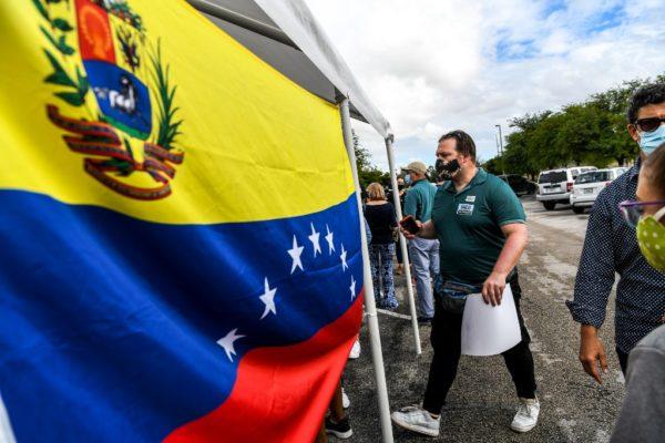 Consulta simbólica de Guaidó no logra reactivar masivas movilizaciones de calle en Venezuela