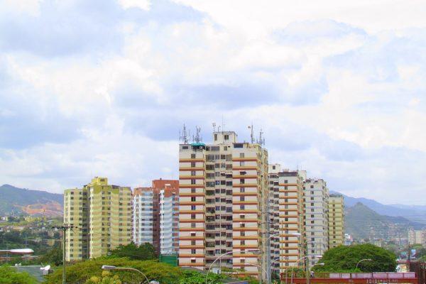 Exhortan a comerciantes de Guarenas establecer precios con tasa oficial del BCV
