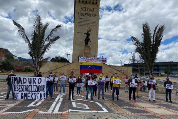 Venezolanos en Colombia rechazaron con plantón las elecciones parlamentarias