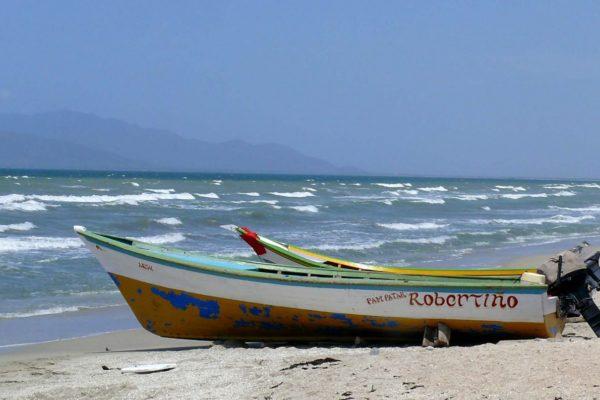 Aumentan a 33 los cuerpos hallados sin vida por naufragio en las costas venezolanas