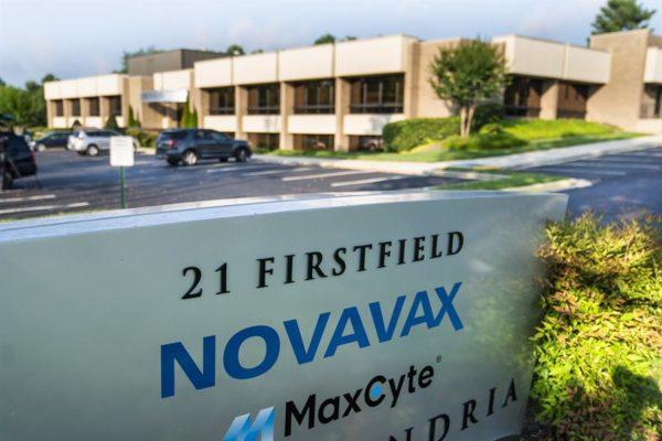 Novavax inicia en EEUU la fase 3 de los ensayos para su vacuna contra COVID-19