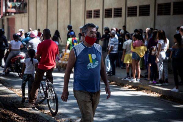 Oposición reporta más de 2.000 muertes por COVID-19, casi el doble de las cifras oficiales