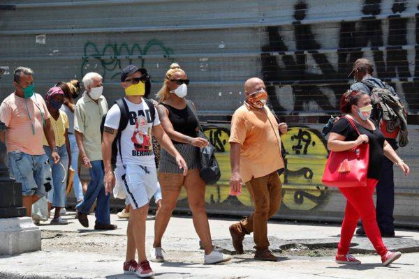 La doble moneda, una maraña financiera que lastró la economía cubana por 26 años