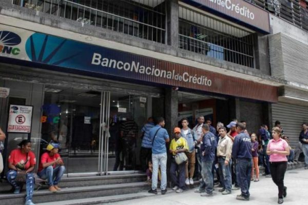 Ante la crisis y el auge de la banca digital: 13% de agencias bancarias cerraron en el último año
