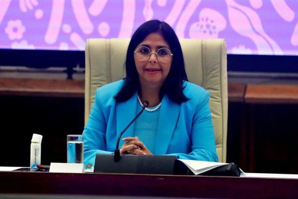 Delcy Rodríguez: Robarle Citgo a los venezolanos y los barcos de gasolina son «actos de piratería»