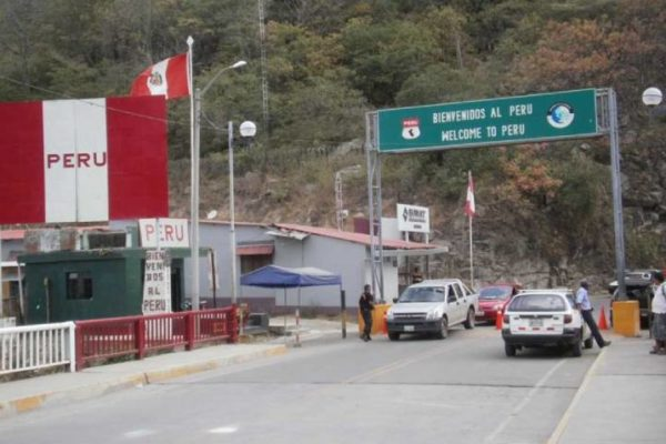 'La mayoría venezolanos': Perú desplegó al Ejército en la frontera con Ecuador para disminuir la inmigración ilegal