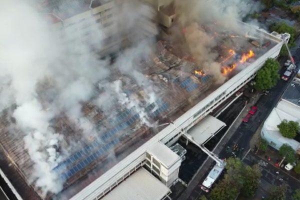 Incendio de grandes proporciones afecta Hospital San Borja Arriarán de Chile