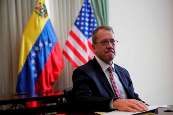 Embajador de EEUU para Venezuela pidió liberación de activistas detenidos