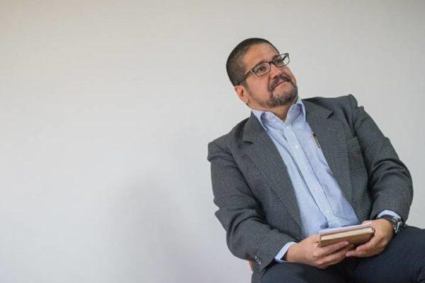 Luis Crespo: Gobierno no tiene la intención de dolarizar, por eso mantendrá el bolívar