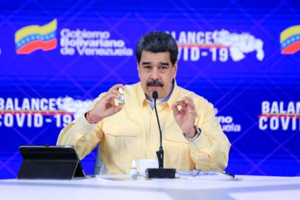 Hierbas, ozono y un cuestionado antiviral: las «milagrosas» promesas de Maduro ante el COVID-19