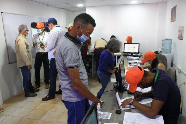 Transportistas de Guarenas abren cuentas bancarias para el cobro electrónico del pasaje