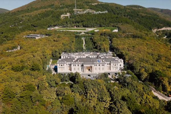 El multimillonario Arkadi Rotenberg afirmó ser el propietario del 'palacio de Putin'